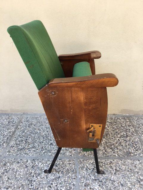 Sedie Da Cinema In Legno.Vendesi Poltrone Cinema Cinema Teatro Tiberio